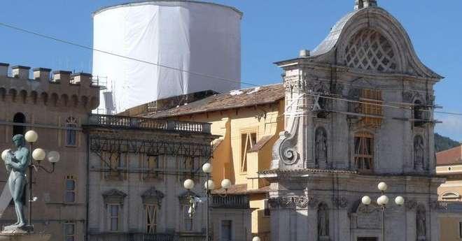Piazza Duomo, no al parcheggio - L'Aquila - Il Centro