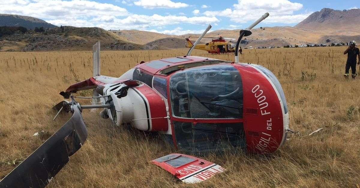 Rambo 1 Elicottero : Elicottero dei vigili del fuoco si rovescia sul gran sasso