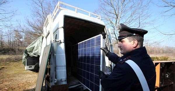 Traffico di pannelli solari rubati dall 39 italia al marocco for Ditte traslochi livorno