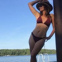 Cindy Crawford, 53 anni, in bikini su Instagram