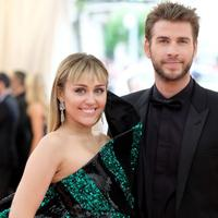 Miley Cyrus e Liam Hemsworth (da Manchester Evening News)