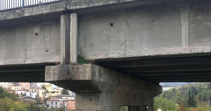 ponte sull 39 a14 crollato verifiche anche a teramo teramo il centro. Black Bedroom Furniture Sets. Home Design Ideas