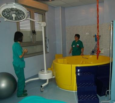 Sgabello olandese images preparazione parto ginecologia